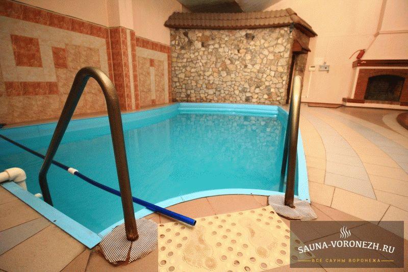 Квадратная баня бочка