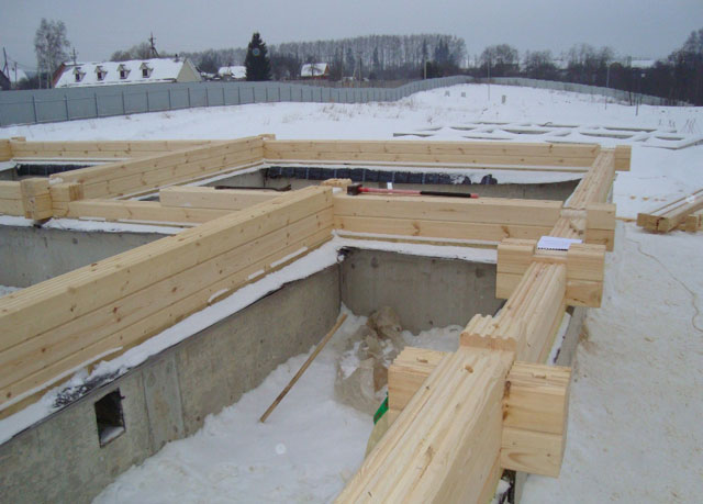 Монтаж надземной части бани на основание