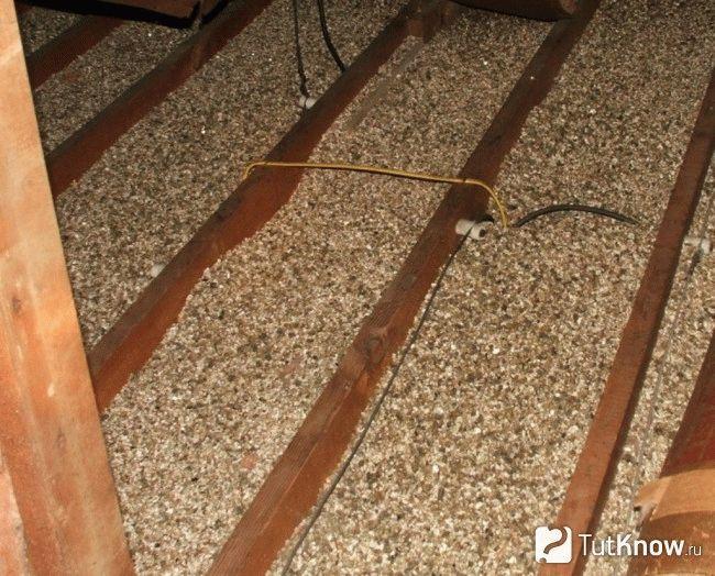 Как самостоятельно сделать потолок в бане