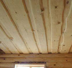 Потолок в парной в деревянной бане